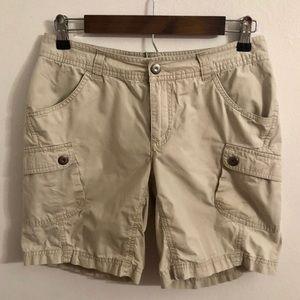 Columbia women's cargo hiking shorts size 6